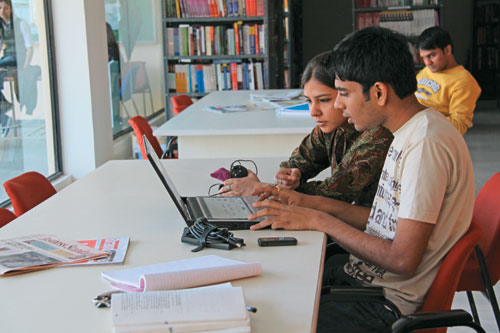 Distance Learning courses: We answer YOUR queries!