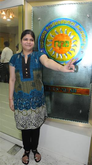 Meet Mahima Kapoor, CS topper (Rank 1)