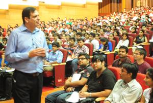 Over 1800 CAT 2015 aspirants attends 10th CL Smart Quant Cracker workshop in Delhi