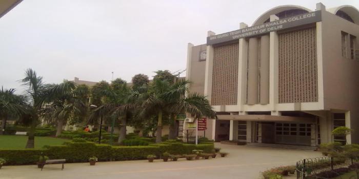 SGTB Khalsa College Cut Off 2018