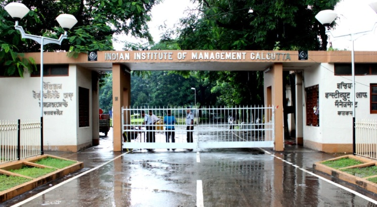 IIM Calcutta releases CAT 2018 Notification, Application to begin on August 8