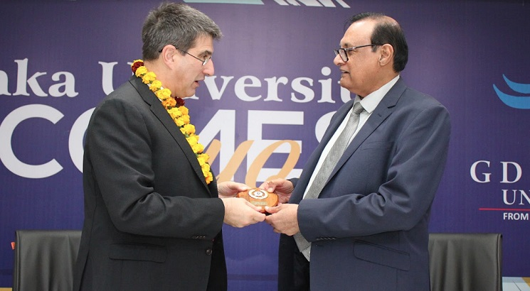 GD Goenka University Signs MoU with Essex University