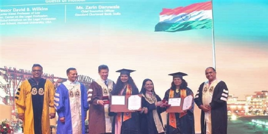 889 students awarded degrees at JGU's Convocation