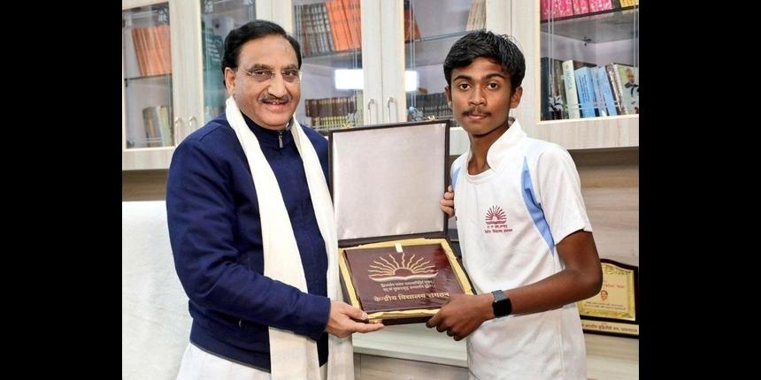 KV student runs marathon for plastic-free India