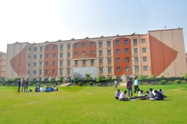https://static.careers360.mobi/media/colleges/social-media/media-gallery/11/2018/10/10/Campus View of Lingayas Vidyapeeth Faridabad_Campus-View.jpg