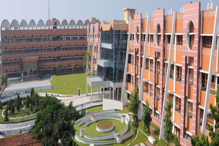 https://static.careers360.mobi/media/colleges/social-media/media-gallery/17610/2018/12/1/Campus View of Vel Tech Chennai_Campus-View.png