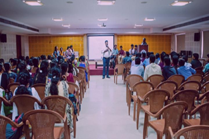 https://static.careers360.mobi/media/colleges/social-media/media-gallery/3426/2018/8/10/Rajalakshmi-Engineering-College-Chennai-(14).jpg