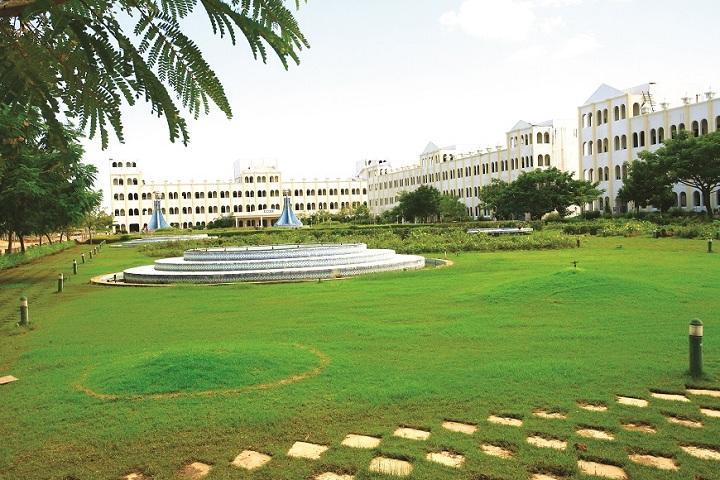 https://static.careers360.mobi/media/colleges/social-media/media-gallery/4111/2018/11/1/Campus view of Jeppiaar Engineering College Chennai_Campus-View.jpg