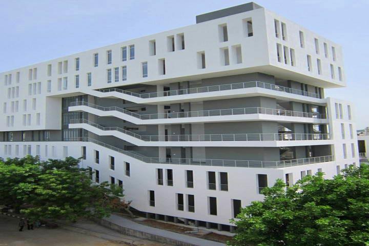 https://static.careers360.mobi/media/colleges/social-media/media-gallery/5/2018/9/14/Campus View of BS Abdur Rahman University Chennai_Campus-View.jpg
