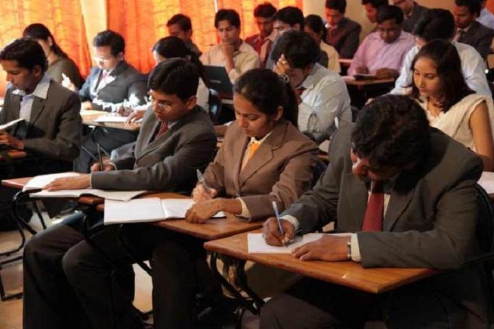 https://static.careers360.mobi/media/colleges/social-media/media-gallery/5412/2018/7/25/AIMS-Institutes-Bangalore-Classroom1.jpg