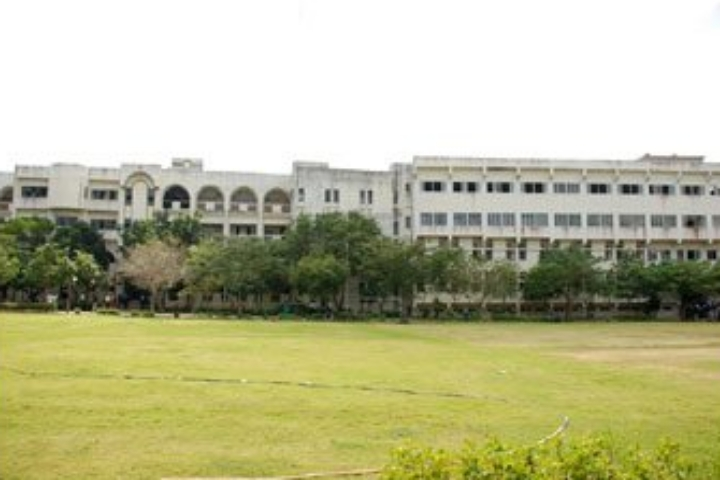 https://static.careers360.mobi/media/colleges/social-media/media-gallery/564/2018/10/10/Ground of Bharath Institute of Higher Education and Research Chennai_Campus-View.jpg