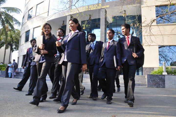 https://static.careers360.mobi/media/colleges/social-media/media-gallery/867/2018/4/16/Hindustan-University-Kelambakkam19.jpg