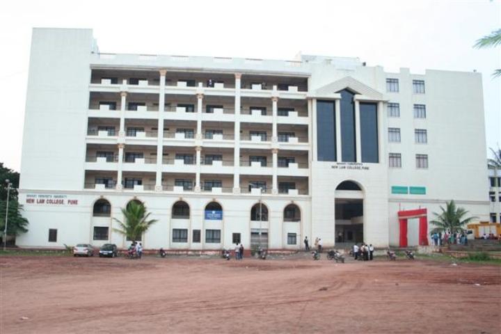 https://static.careers360.mobi/media/colleges/social-media/media-gallery/8771/2018/8/21/Bharati_Vidyapeeth_Deemed_University_New_Law_College_Pune01.jpg