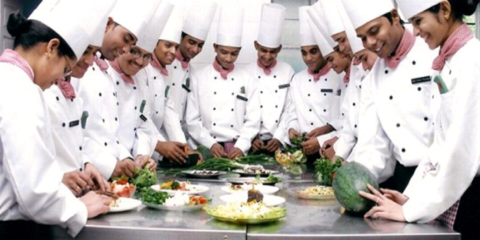 Know all about Hotel Management in India