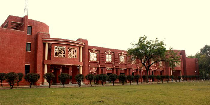 IIM Lucknow and BSE Institute sign MoU to offer Advanced Management programme