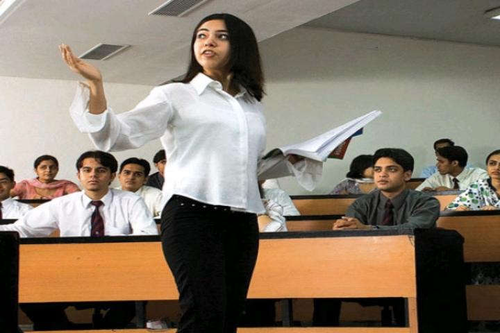 Amity University, Kolkata  Amity-University-Kolkata11