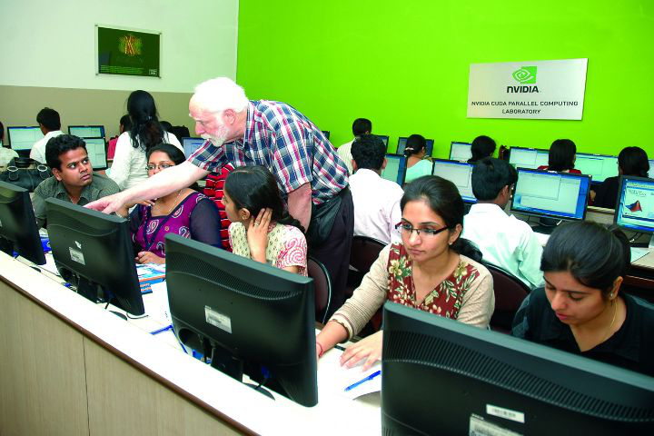 Chitkara University, Patiala  Computer Lab Chitkara University Patiala