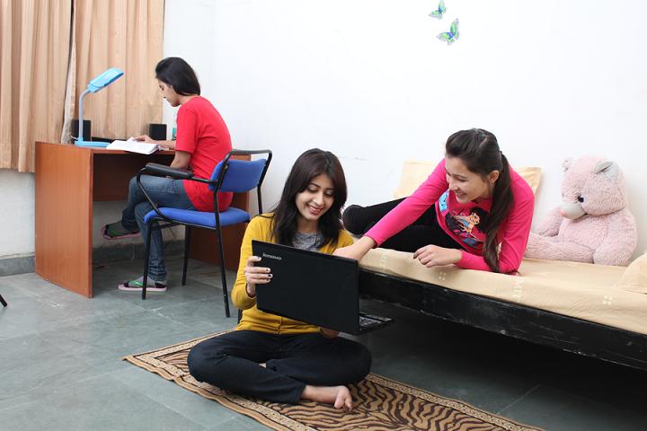 Amity University, Lucknow  Amity-University-Lucknow-(5)