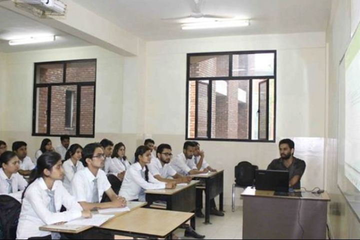 IMS Unison University, Dehradun  Classroom of IMS Unison University, Dehradun