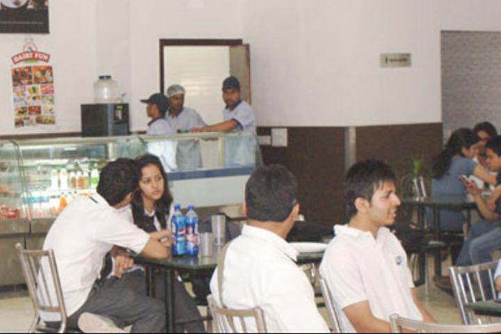 IMS Unison University, Dehradun  Cafeteria of IMS Unison University, Dehradun