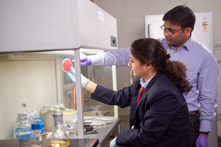 Anand College of Pharmacy, Agra  Anand-College-of-Pharmacy-Agra-lab1