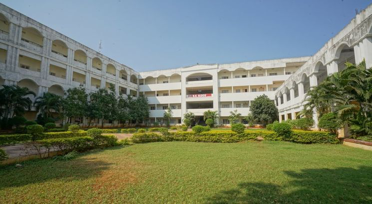 Godavari Institute of Engineering & Technology invites applications for B.Tech admissions 2018