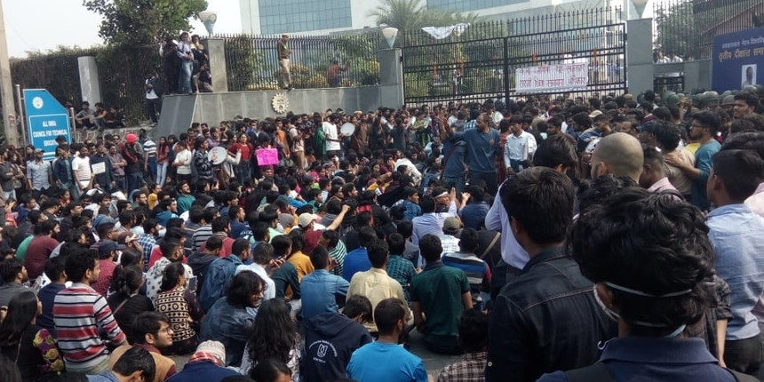 JNU fee hike: Students call MHRD's rollback announcement 'a rustication order' for the poor