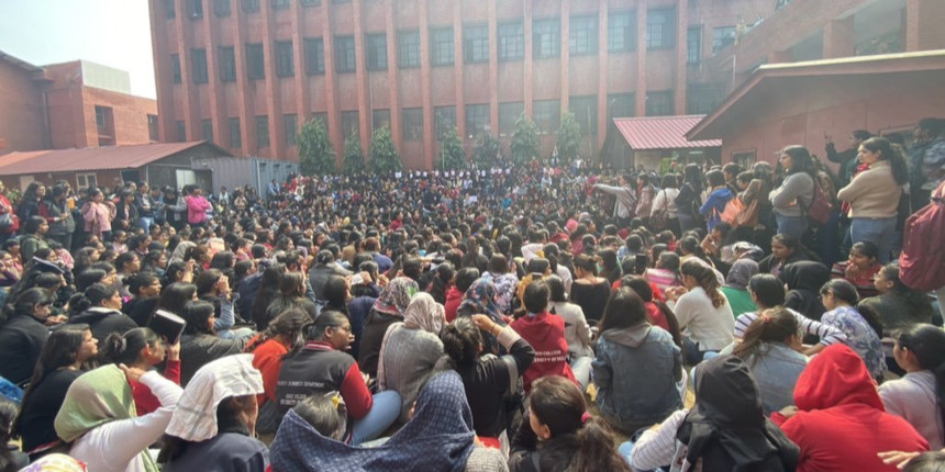 DCW notice to Delhi Police, Gargi College after alleged molestation