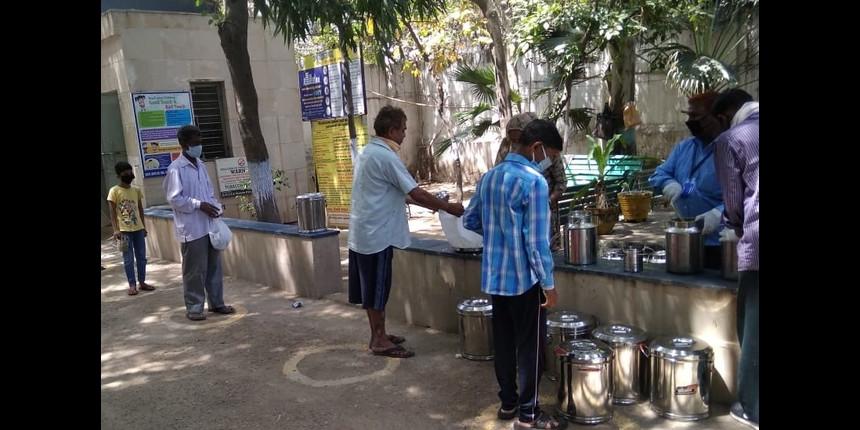 How government school teachers are helping Delhi fight the coronavirus