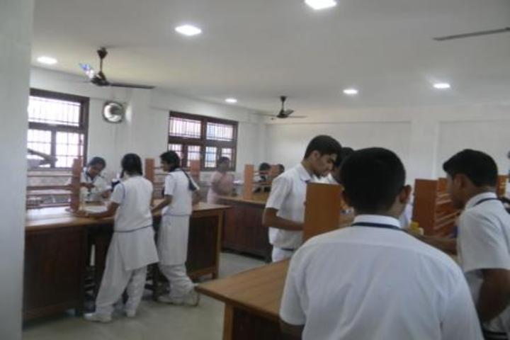 kamaraj english medium school - chemistry lab