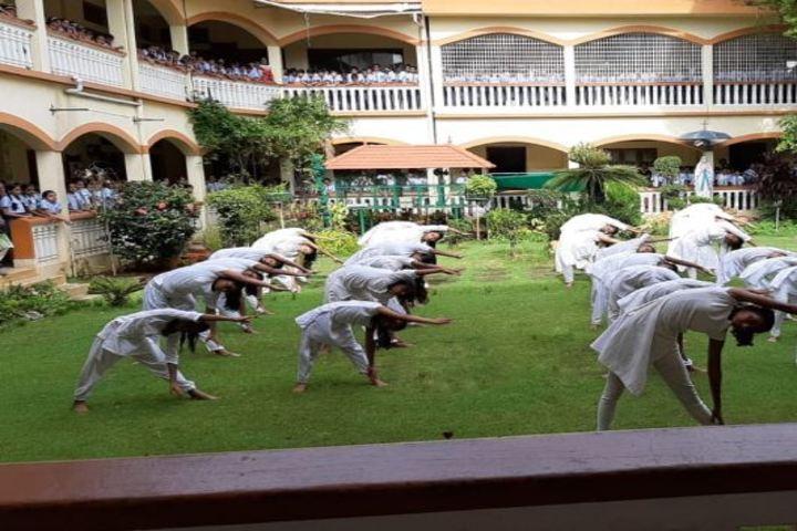 Teresa Spinelli Public School-Yoga