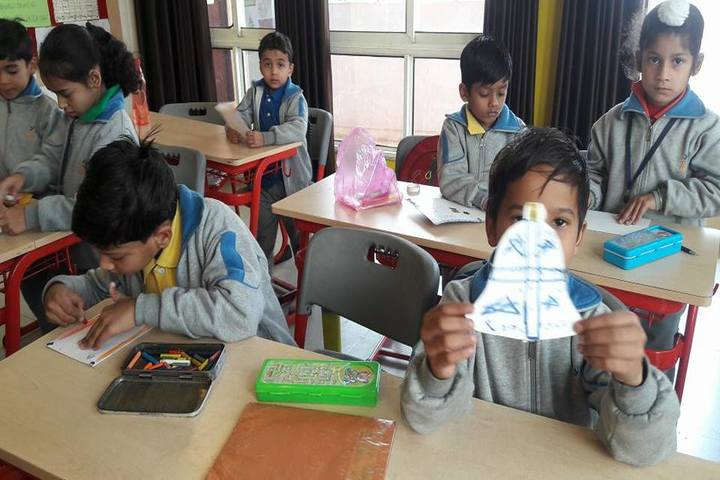 7I World School-Card Making Activity