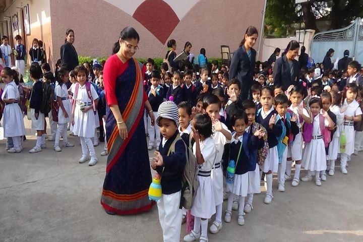 Aaditya Vidya Vihar-Picnic