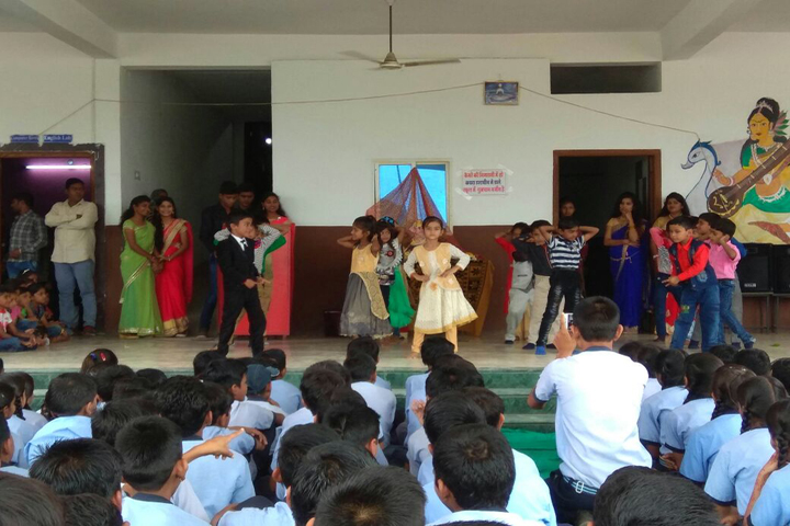 Aaradhya International School-Dancing Activity