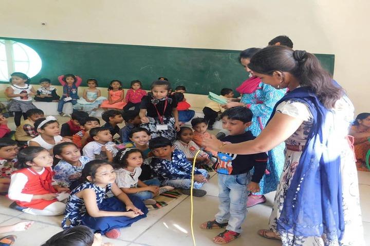 Abhyuday Vidyasthali-Classroom Activity