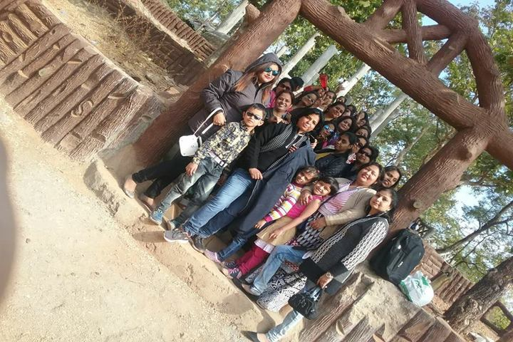 Aditya Convent School-School Picnic