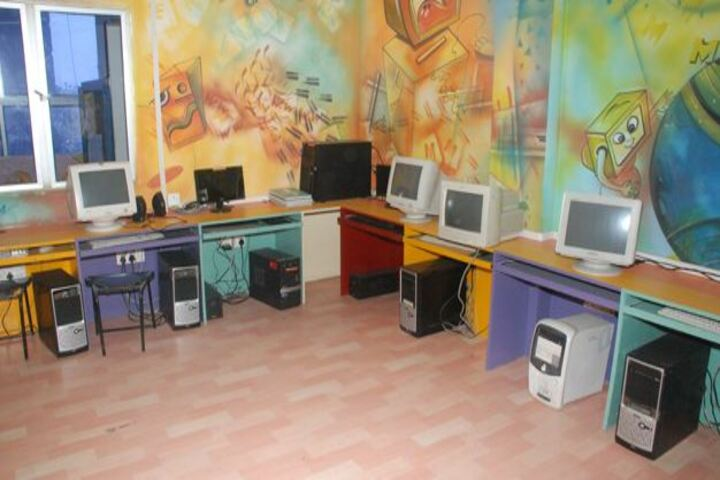 Advanced Academy-Computer Lab