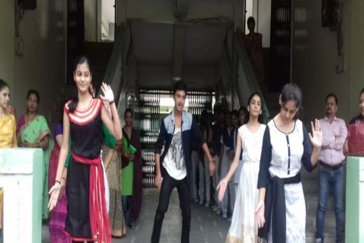 Ajmera Mukesh Nemichand Bhai English Medium School-Dance