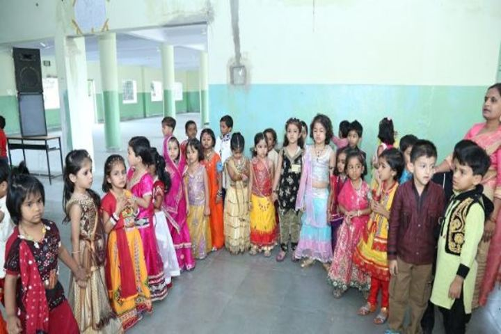 Ajmera Mukesh Nemichand Bhai English Medium School-Kids Dance