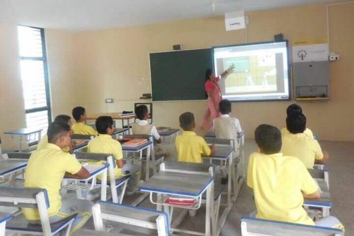 Alok International School-Smart Classroom
