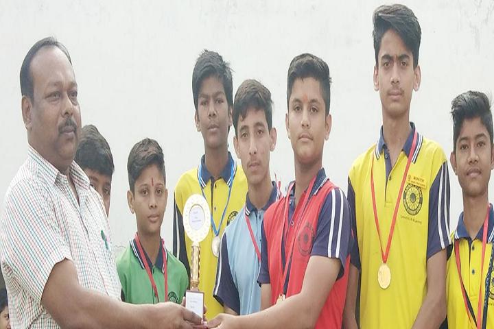 Anant Utsav School-Gift Presentation