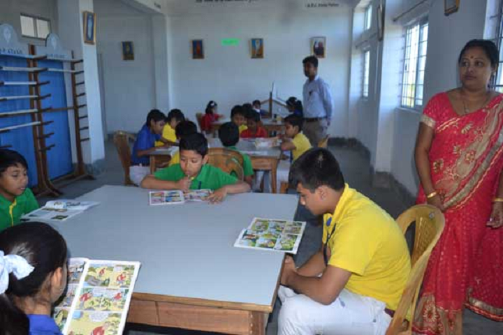 Valley View School- Story reading