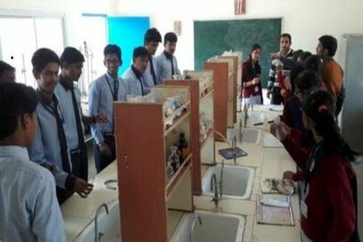 Bhanpura Public School-Chemistry Laboratory