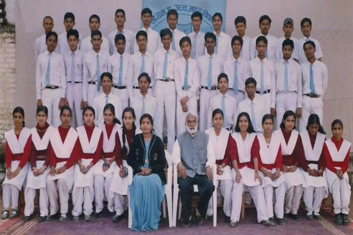 C M A Higher Secondary School-Class Picture