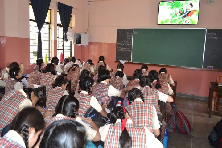 Carmel Convent Senior Secondary School-Class