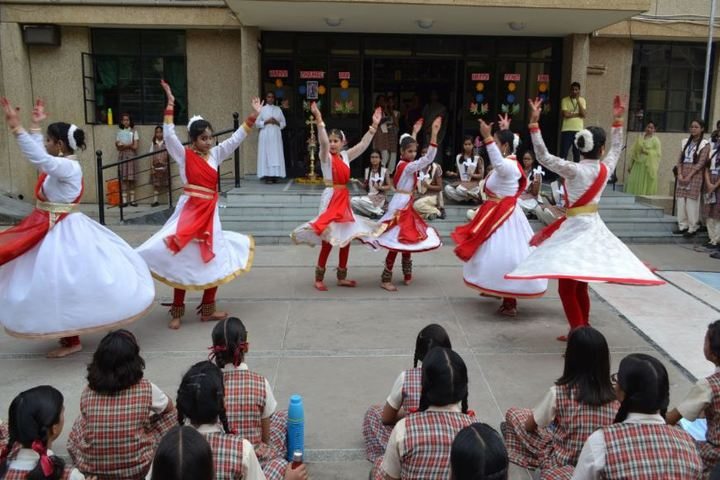 Carmel Convent Senior Secondary School-Dance