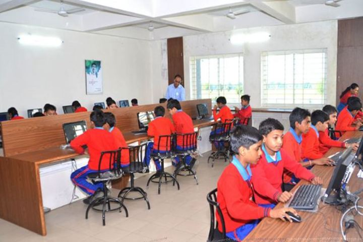 Champion International School-IT-Lab