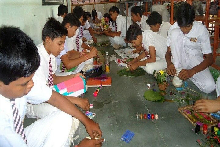 Christ Convent School-Art room