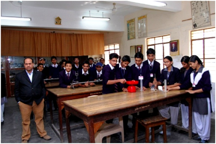DAV ACC Public School-Physics Lab