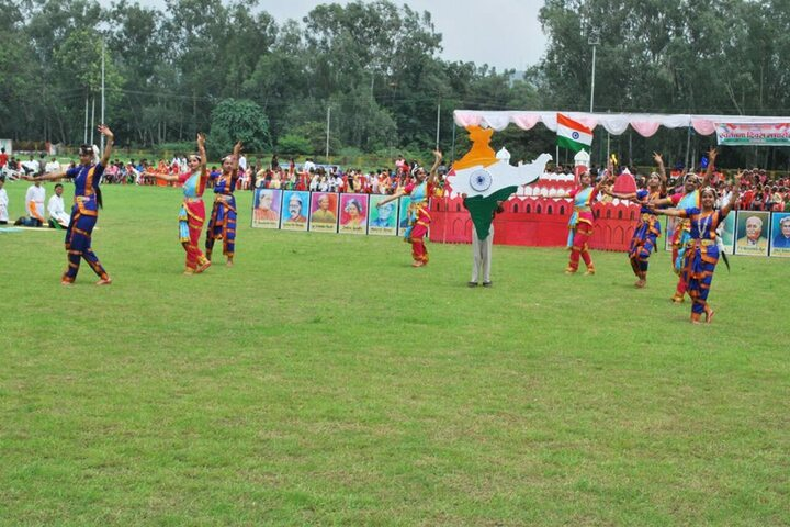 D A V Public School, Nigahi - Independence day